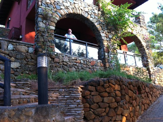 TUI Sensimar Marmaris Imperial Hotel : Rooms built into a steep hillside