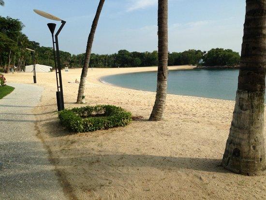 Capella Singapore: Quiet beach