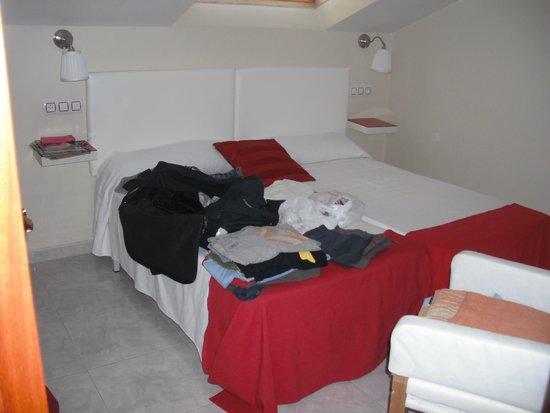 Apartamentos Playa Mar: Quarto