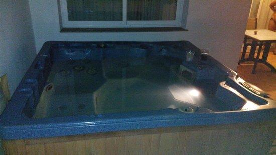 El Toyo, España: Jacuzzi en terraza de la habitación