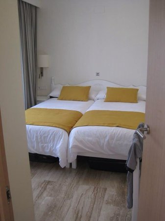 Grupotel Mar de Menorca: Bedroom one.