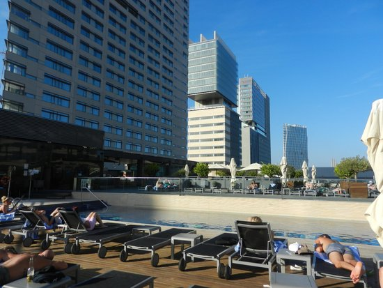 Hilton Diagonal Mar Barcelona: piscine