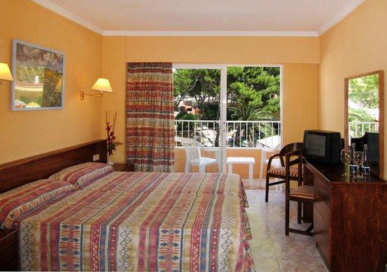 FERGUS Capi Playa: Habitación