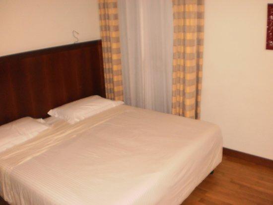 Hotel Genova: Foto de la habitación del hotel
