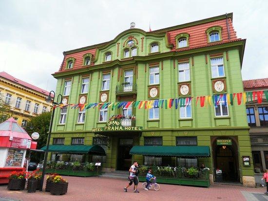 Grand Hotel Praha: voorzijde hotel