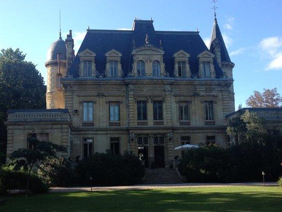 Chateau de Camperos : château vu de la piscine
