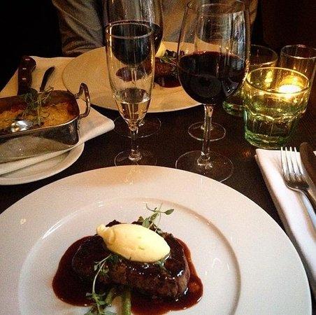 Caleo: Nydelig middag og rødvin!