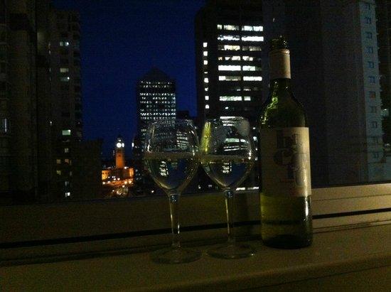 Ibis Sydney World Square: vino di benvenuto