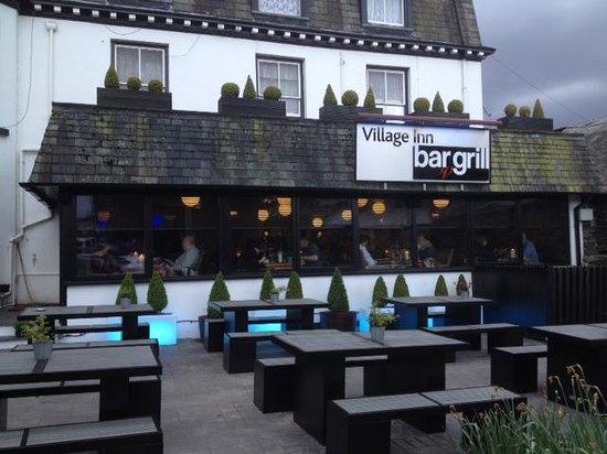 Village Inn: building outlook