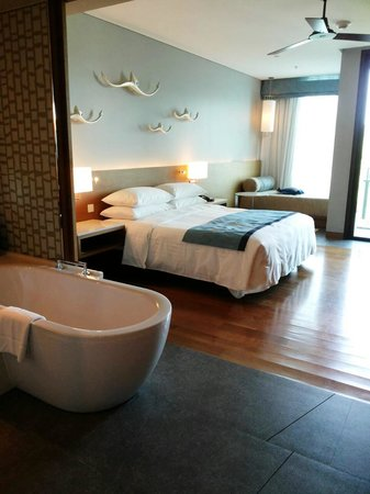 Rayong Marriott Resort & Spa: guest room (aug 9th 2014)