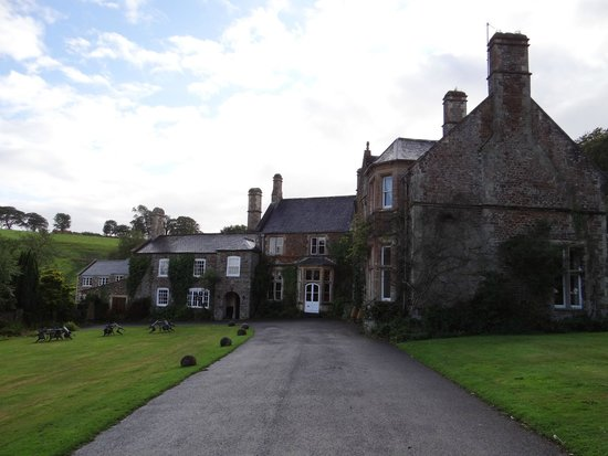 Northcote Manor Country House Hotel: View of hotel walking from the car park