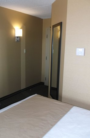 Best Western Plus Toronto North York Hotel & Suites: Notre chambre 522.