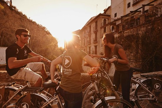 """Play Granada: Bicycle means simplicity and simplicity means happiness!"""" Mehmet Murat ildan"""