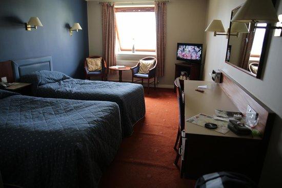 Alexandra Hotel: Chambre très agréable (403)