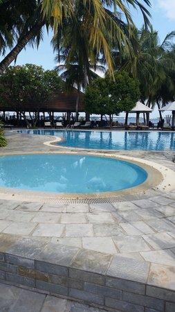 Kurumba Maldives: Swimming pool