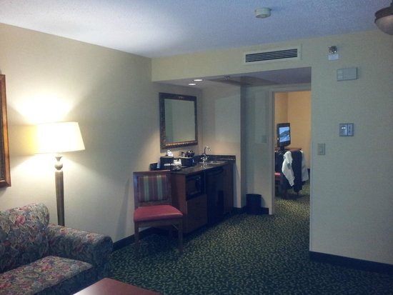 Embassy Suites by Hilton Greenville Golf Resort & Conference Center : Large suite...