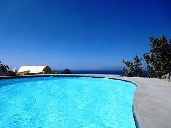 Ambelia Traditional Villas: New pool