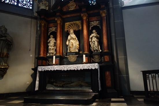 St. Lambertus Church: bony in the box