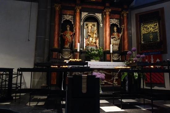 St. Lambertus Church: another alter