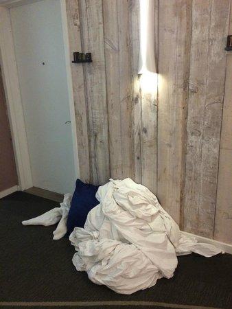 Royal Palm South Beach Miami, A Tribute Portfolio Resort: more towels