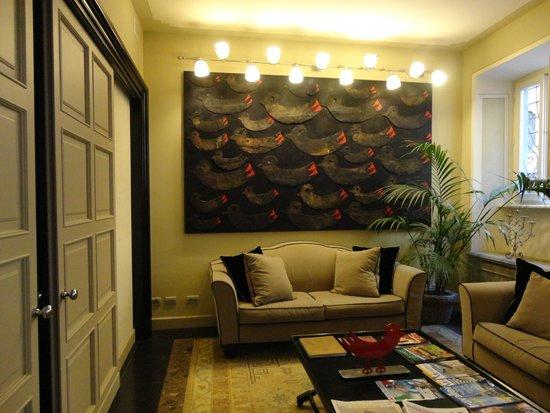 Hotel Patria: The Lobby