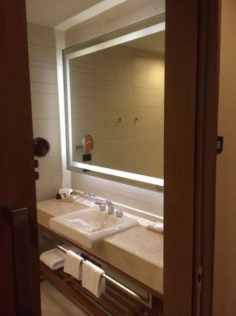 Eastin Grand Hotel Sathorn: #2307 Badezi