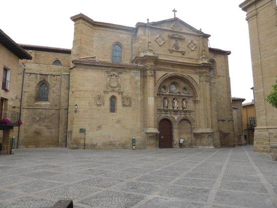 Parador de Santo Domingo de la Calzada : Plaza del Parador, al lado catedral