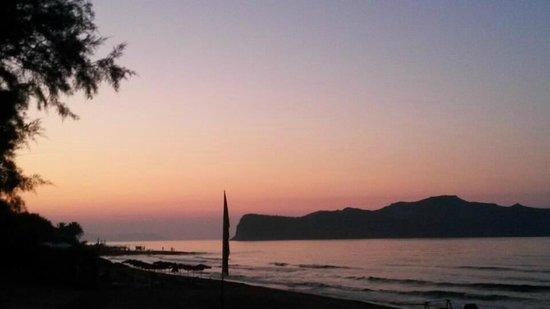 Santa Marina Beach Hotel: Santa Marina Beach - Sunset cap