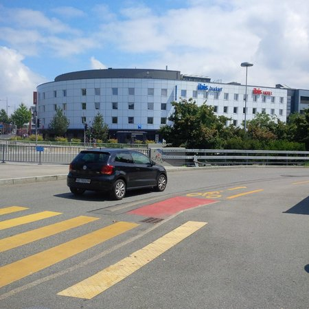Ibis Geneve Petit Lancy: view from bus stop coming from airport