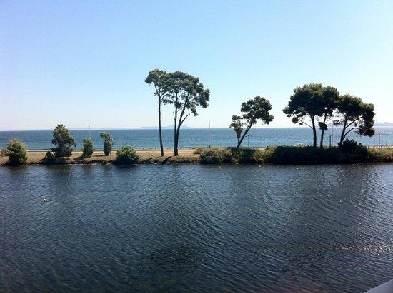 Hôtel Club Plein Sud : vue chambre lac et mer