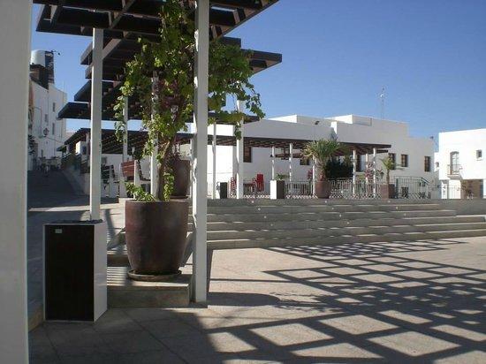 Hostal El Olivar : Plaza del Fronton