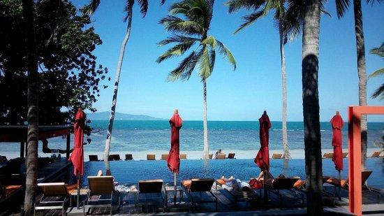 The COAST Resort - Koh Phangan : pool/beach area