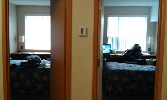 Residence & Conference Centre - Ottawa West: 2 bed suite