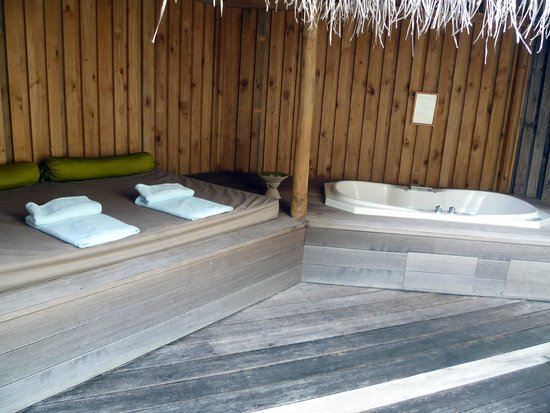 Kuredu Island Resort & Spa : Our jacuzzi beach villa