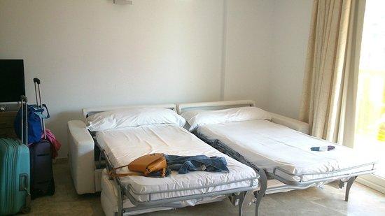 Dynastic Hotel: Camas sofá/cama