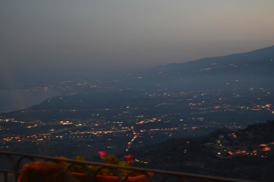 La Taverna dell' Etna: Veduta panorama dalla terrazza