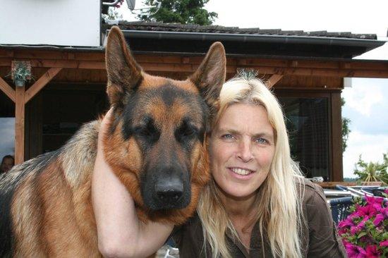 Motorhotel Am Vulkanberg: Marja en Beau