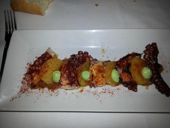 Zarautz Taberna Vasca: polpo scottato con patate