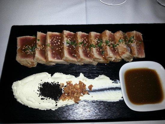 Zarautz Taberna Vasca: tagliata di tonno con crema di wasaby e riduzione di mostarda