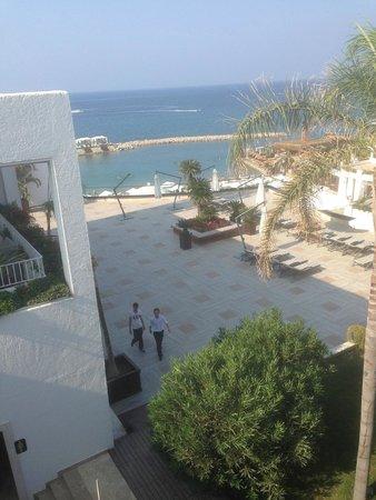 Cratos Premium Hotel, Casino, Port & Spa: Вид на пляж