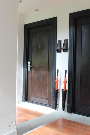 Bandara Resort & Spa: Outside the rooms