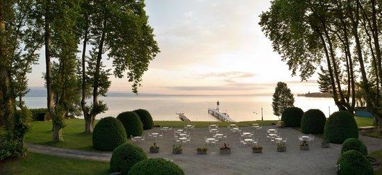 Chateau de Coudree: ponton et plage privée