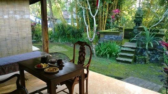 Abangan Bungalow: Verandina del bungalow