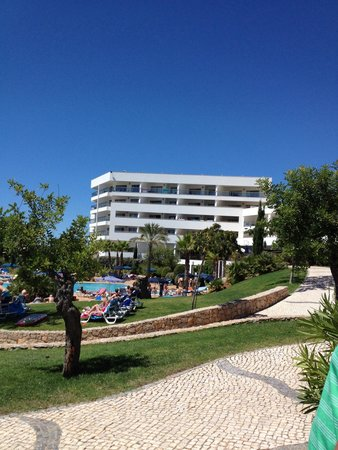 Alfagar II Aparthotel: Pool area