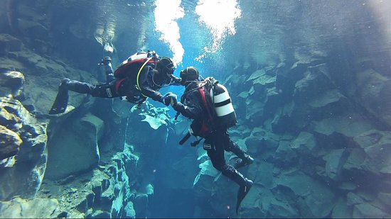 Silfra diving with Magmadive