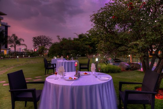 Ruchi the Prince: Lawn Dining Area