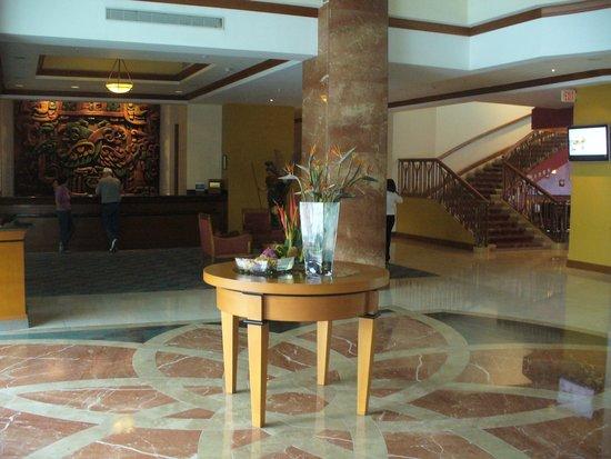 Tegucigalpa Marriott Hotel: Hotel entry hall