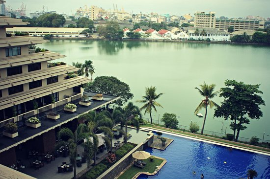 Cinnamon Lakeside Colombo : View from room