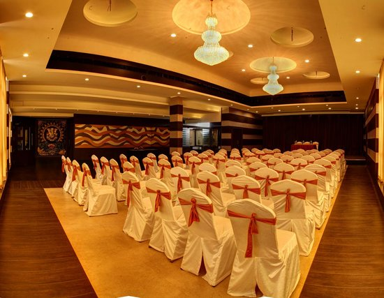 Ruchi the Prince: Banquet Hall