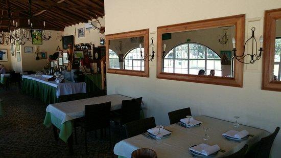 A Coudelaria Restaurante: Aspecto parcial do interior